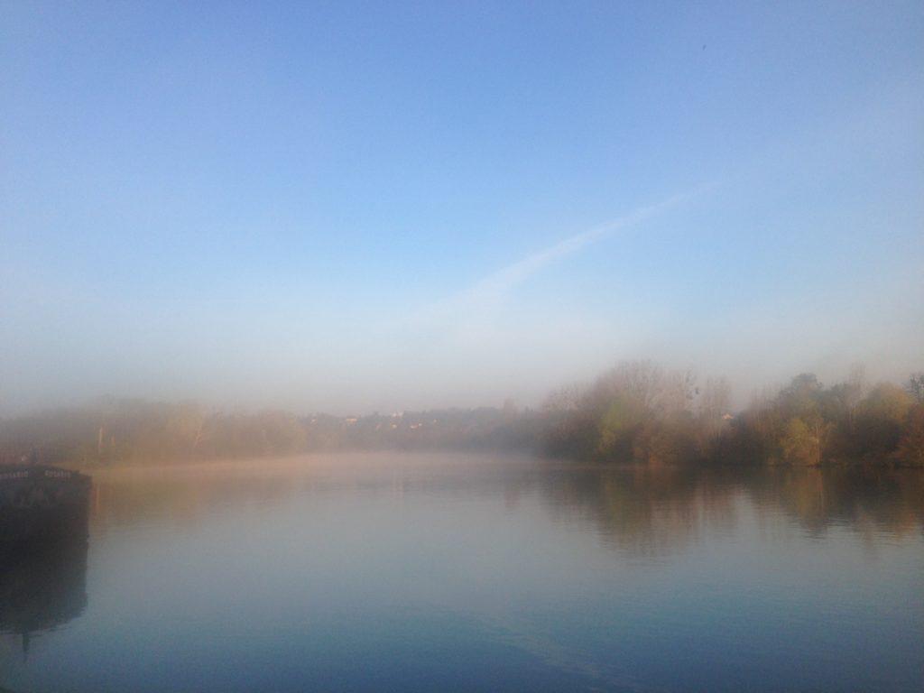 La Seine par un petit matin brumeux